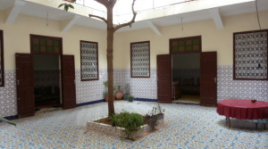 Riad with complete title deeds. Very good condition. Located less than 3mn walk to Jemâa el Fna…