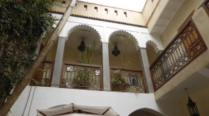 Riad offering 5 bedrooms with bathrooms. Very well Located in Moassine.
