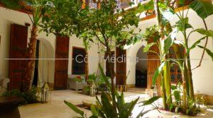 Charming guest house – 5 Bedrooms – Plunge pool – Hammam