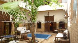Beautiful traditional Riad, big patio 70 m2 with basin – To renovate