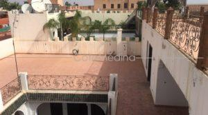 Riad 12 bedrooms, swimming pool, beautiful terrace, near the Bahia Palace